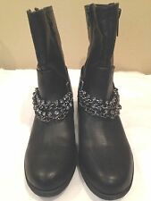 Simple Vera Wang  New Ankle Boots Black Size 6M