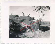 Nr.23943 Foto 2, Weltkrieg Deutsche Wehrmacht in Polen zerstörter Panzer tank