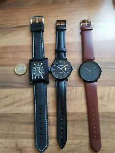 BNWOT Lot of 3 Gents Mens  Watches 2   with leather straps and 1 with silicone s