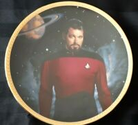 "Star Trek plate ""Commander William T. Riker"" mint condition in original box (11)"