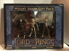 The Lord of The Rings The Return of the King Mount Doom Gift Pack
