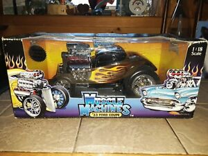 MUSCLE MACHINE-1933 FORD COUPE IN BOX