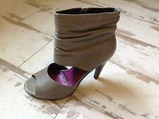 P40 -Escarpins femme NEUVES ELLE - Modèle GLORIA gris (99.00 €)