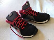 Kid Nike Team Hustle Basketball Shoes Size 5Y (599187-006) (K-11) A Condition