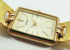 Seiko SXFP02 Gold Tone Base Metal V401-6261 Sample Watch NON-WORKING