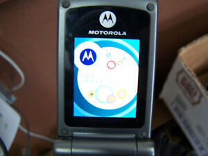 Motorola W series W376g - Silver (TracFone) Cellular cell flip Phone