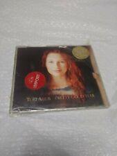 FastShipping🇺🇸 TORI AMOS-PRETTY GOOD YEAR HONEY BLACK SWAN UK 1994