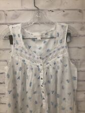 Eileen West White Blue Lace floral Buttons Size small Sleeveless long Gown