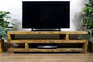 Solid Wood Rustic Handmade Pine Hartington TV Unit/Stand, Finished in Chunky Oak