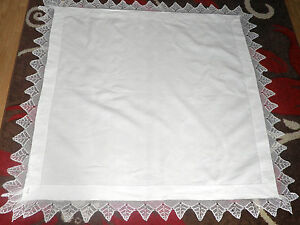 """PRETTY VINTAGE LACE EDGE TABLE CLOTH  - 48"""" BY 48"""""""