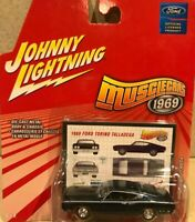 Johnny Lightning Muscle Cars 1969 - Ford Torino Talladega
