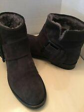Sigerson Morrison women gray suede ankle boots Size 6.5 medium