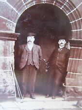 VINTAGE CABINET CARD PHOTO OF 2 GOLFERS WITH THEIR GOLF CLUBS CIRCA 1900