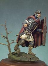 ANDREA MINIATURES SG-F66 - ROMAN SOLDIER ADVANCING - 54mm WHITE METAL