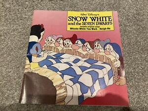 Disney Snow White And The Seven Dwarfs Story Book