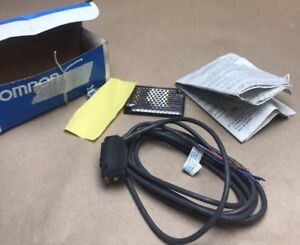 OMRON E3V-R2B43S (Surplus New In factory packaging) OMRON PHOTOELECTRIC SENSROR