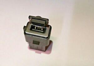 GENUINE VOLVO USB CONNECTION PORT JACK 30775252 V40 V70 S60 S80 XC70 V60 XC60