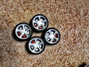 1/18 set Cosworth Wheels Tyres and Brake Disks for diorama or diecast UNPAINTED