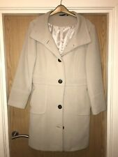 Ladies Cream Coat 78% Wool Size 16