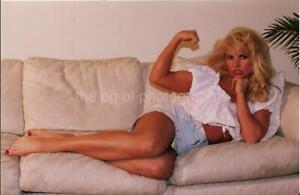 VERY PRETTY WOMAN 80's 90's FOUND PHOTO Color FITNESS MODEL Original EN 17 13 T