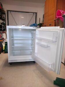 Under- counter integrated fridge