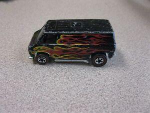 heels Redline Super Van Flying Colors Black w/ Flames HK 1974 Metal Base