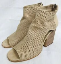 VINCE CAMUTO Women's 8 1/2 VC-Bevina  Nubuck Leather Peep-Toe Booties 8.5