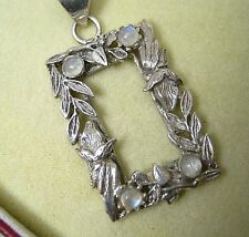 BEAUTIFUL HANDCRAFTED SILVER & MOONSTONE PENDANT WITH CHAIN