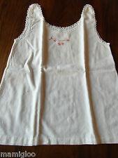 vintage petite chemise ancienne bébé poupon coton broderie main dentelle@baby
