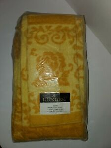 Vintage NOS Golden Crown by Dundee 3 Pc Towel Set Bath, Guest & 2 Face Cloths