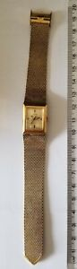 Vintage TIMEX Ladies Electric Gold Toned wristwatch - adjustable Band - Working