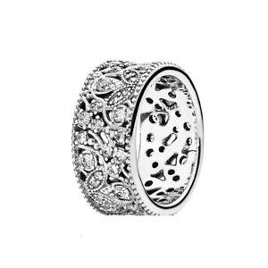 Genuine Pandora Shimmering Leaves Ring Size 52 190965CZ