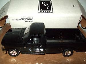 AMT/ERTL #6571, 1993 FORD F-150 XLT PICKUP TRUCK, RAVEN BLACK, MIB