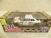 1998 Racing Champions 1:24 Gold NASCAR Elliott Sadler Phillips 66 Monte Carlo b