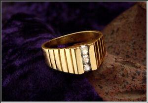 Gorgeous Vtg Men's 14k  Yellow Gold w/ 3 - 3mm Diamond Size 10 Ring  7.9 Grams