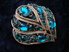 Vintage Unsigned Large Pin/ Brooch Green Crystals Set In Gold Tone 2 and 1/4 In