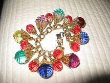 NAPIER LUCITE CHARM GOLD TONE CHUNKY BRACELET 6 3/4 INCHES