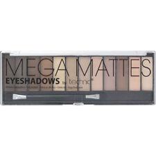 Productos de maquillaje de ojos marrones polvos compactos