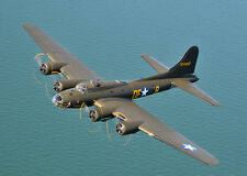ROYAL MODEL AIRPLANE Kit Boeing B-17 Flying Fortresses 77 inch wing span