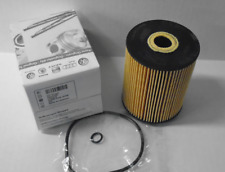 NEW GENUINE VW Engine Oil Filter  077115562 Passat Touareg