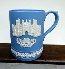Wedgwood Jasperware Mug Christmas Hampton Court 1976