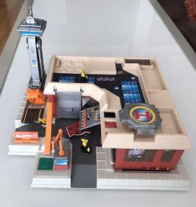 Vintage Galoob Micro machines DoppIo Colpo Caserne Pompier transformable