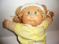 Original Vtg 1982 CABBAGE PATCH KID DOLL by COLECO tagged outfit & shoes blonde