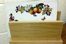 Wooden place mat/letter holder