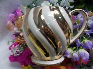 LOVELY VINTAGE SADLER JUG - GOLD CURVED STRIPES - SADLER ENGLAND 1552 396g # 252