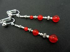 Un Par Rojo Tibetano Jade Grano Extra Larga colgantes pendientes de clip. Nueva.