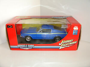 1/18 FORD MUSTANG 1967 BLUE by JOHNNY LIGHTNING