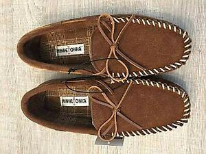 Minnetonka Tory Traditional Slip on Slippers Men's Size 10 M Whiskey NWT