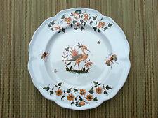 Assiette vintage, décorative , Moustier, peint a la main , collection