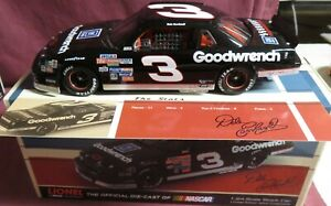 DALE EARNHARDT, 1/24 ACTION NASCAR CLASSICS, 1989 LUMINA, #3, GOODWRENCH